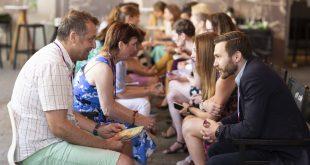 Ako nadviazať kontakty, keď ste introvert?