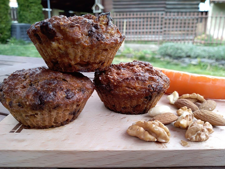 Fantastické mrkvovo orechové muffiny bez múky