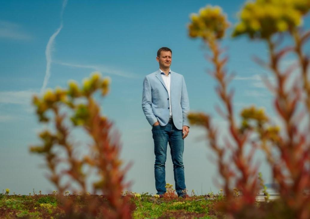 Branislav Siklienka na streche po realizácii