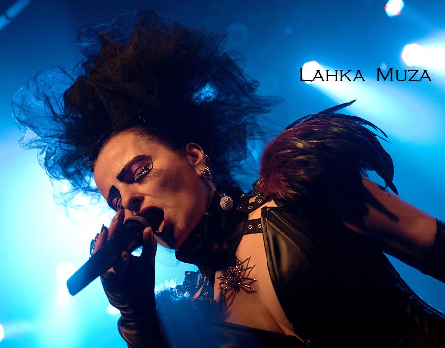 Speváčka Gudrun z kapely Ľahká Múza