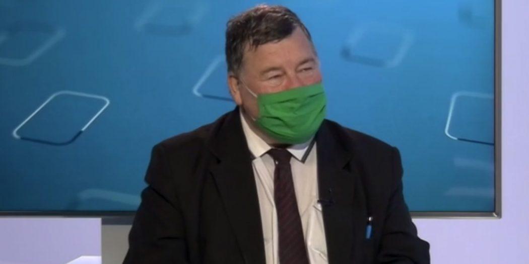 Prvým Slovákom, ktorého zaočkujú proti korone, bude Vladimír Krčméry.