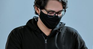 Syndróm suchého oka súvisiaci s rúškom