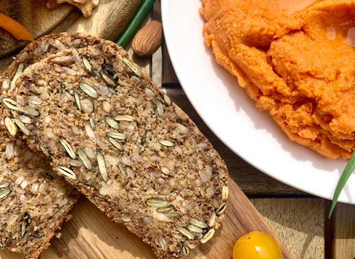 Chlieb zo semiačok – ľanové, slnečnicové a tekvicové